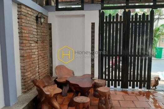 2V190 www.honeycomb 6 result Enjoy the luxurious life with spacious living space, elegant wooden furnished villa for rent in District 2