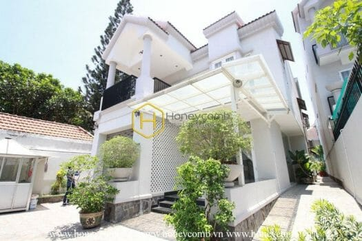 2V228 5 result Bright and unfurnished villa with a garden and a pool is for rent in Thao Dien , District 2