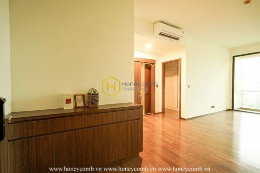 DE70 12 result Renovate your home in this airy unfurnished apartment for rent in D ' Edge