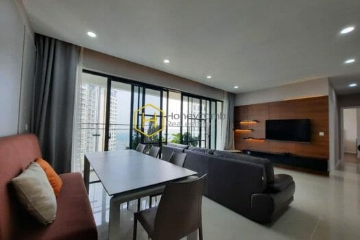 EH405 3 result This luxurious Estella Heights apartment get a high score in everybody's eyes