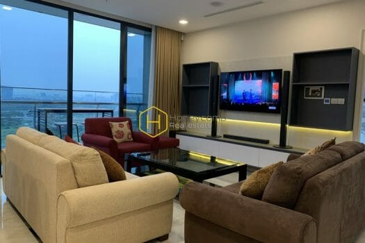 VGR660 4 result Everything you need for a better life is right in this Vinhomes Golden River apartment