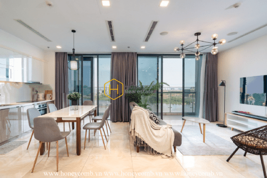 9 result 4 Embracing the spectacular river view from sophisticated apartment in Vinhomes Golden River
