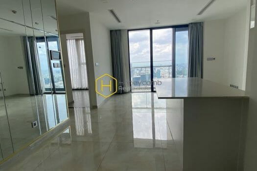 VGR683 1 result Roomy apartment with prime location for rent in Vinhomes Golden River