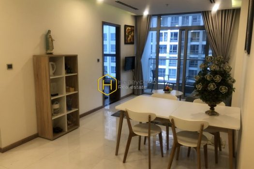 vinhomes www.honeycomb.vn VH234 1 result Simple And Convenient 2-Bedroom Apartment In Vinhomes Central Park For Rent