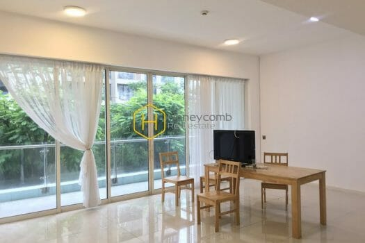 ES972 3 result Graceful architecture in this rental unfurnished apartment in The Estella