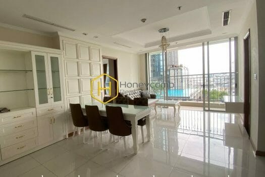 5 result 13 Get the chilled vibes through this exciting and palatial apartment in Vinhomes Central Park